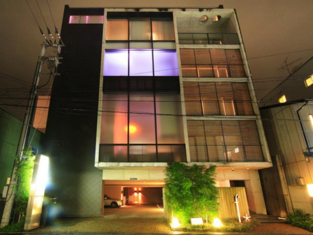HOTEL F